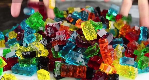 Sono nate le caramelle a forma di LEGO che ti cambieranno la vita