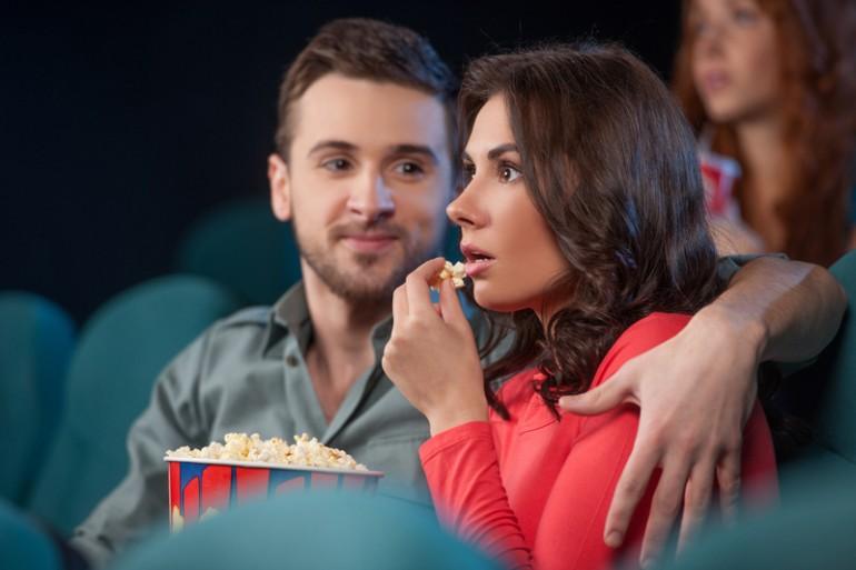 18 cose che solo le coppie che non sanno decidere il film da vedere capiranno