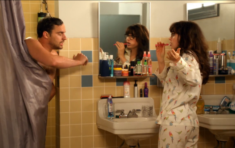 I drammi della convivenza universitaria: avere un solo bagno