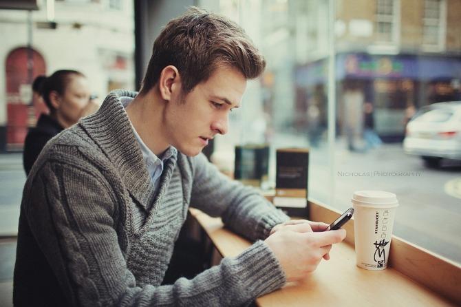 16 dubbi di chi pensa troppo quando messaggia con qualcuno che gli piace